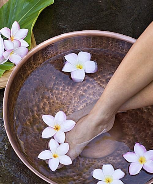 Milyen betegségek esetén célszerű fokozott figyelmet fordítani a lábápolásra?