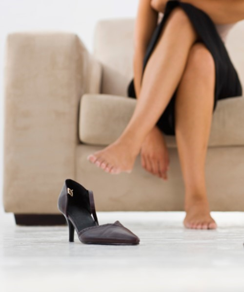 Mi okozza a láb büdösödését nyáron?